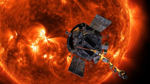 NASA-probe-sun-parkerinfrontofsun-tb